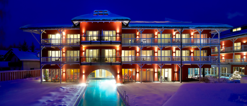austria_seefeld_das-hotel-eden_exterior-at-night.jpg